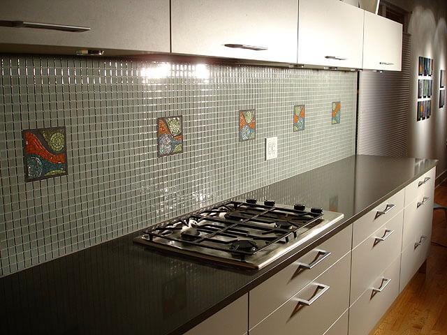 Как выбрать, какая лучше мозаичная плитка для кухни цена?
