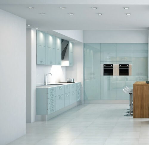 стеклянные фасады для кухни это современно