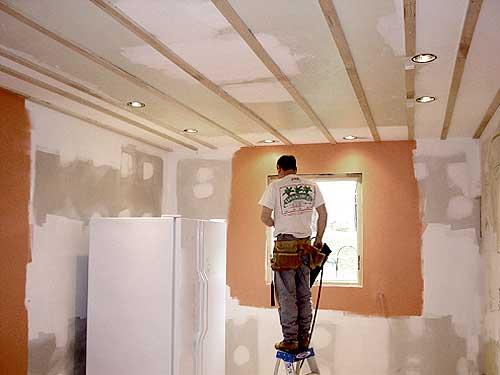 Панели на потолок на кухне - хороший выбор