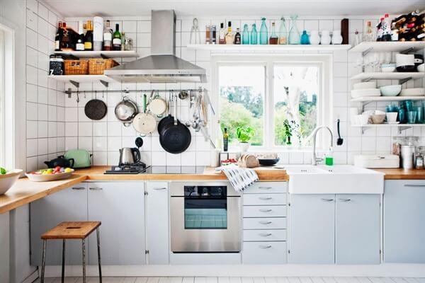 стеллаж на кухне
