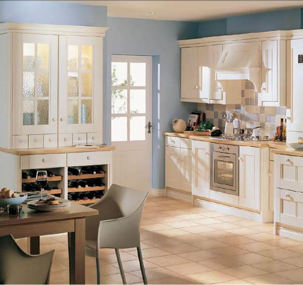 цвет стен на кухне голубой