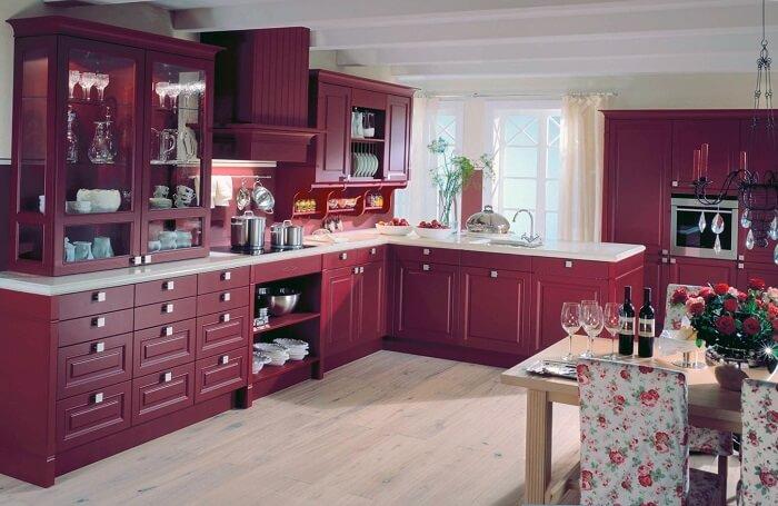 цветовое решение кухни фиолетовый