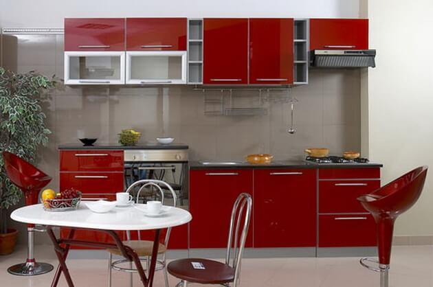 цветовое решение кухни красный
