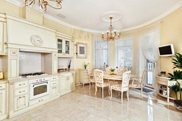 какой сделать потолок на кухне