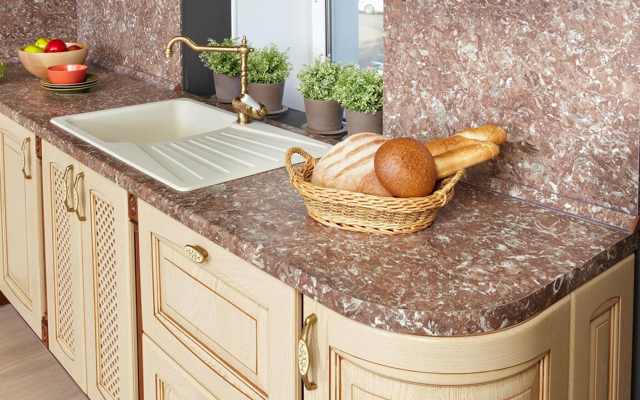 Какой материал идеально подойдет именно вам для кухонной столешницы?