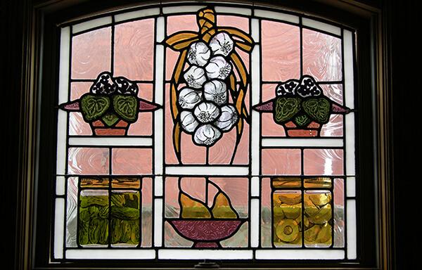 кухонное окно с витражом