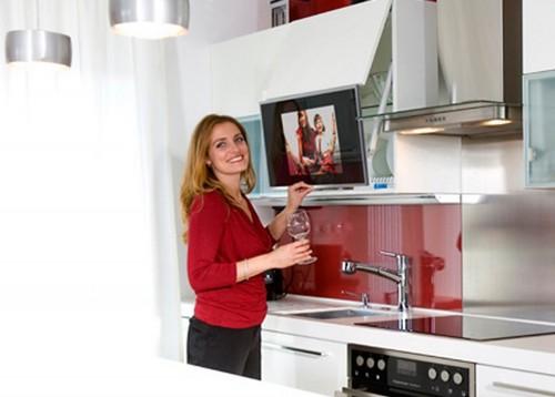 Встраиваемый телевизор для кухни