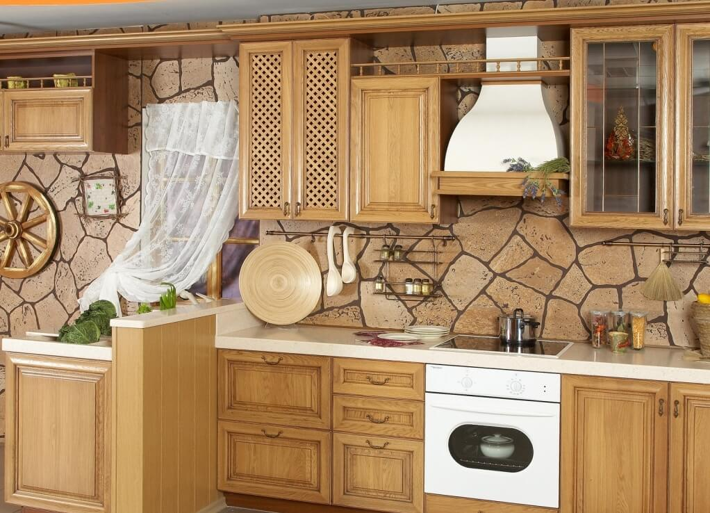 Кафель натуральный камень на кухне