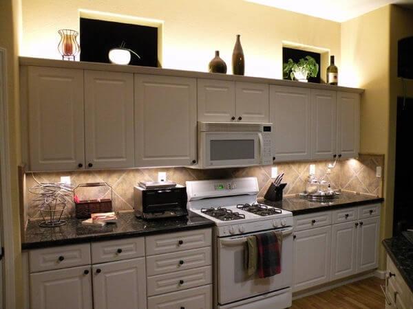 Подсветка рабочей кухонной зоны