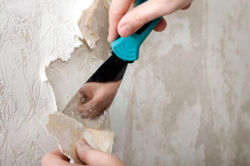 Снятие обоев со стены