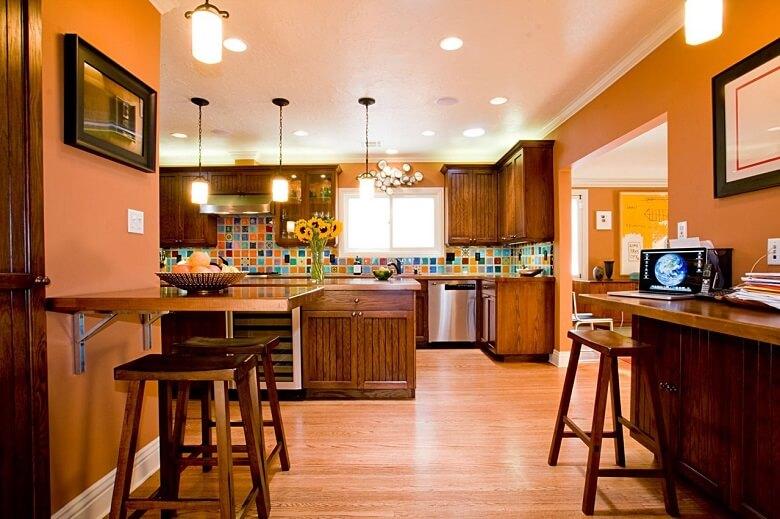 персиковый цвет в оформлении кухни