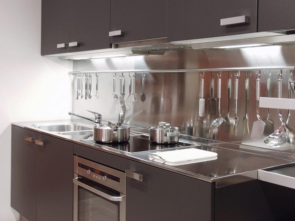 хай-тек маленькая кухня фото