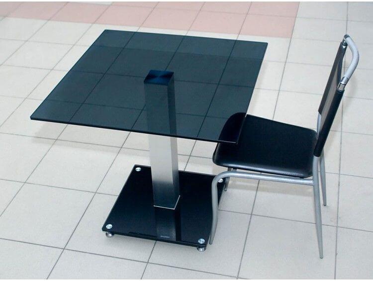 квадратный стеклянный стол
