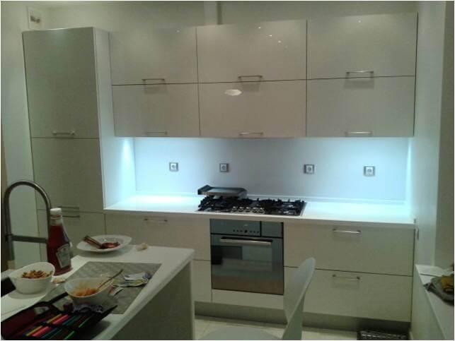 Какая мебель экономящая пространство на кухне?