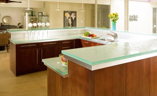 Стеклянные столешницы для кухни