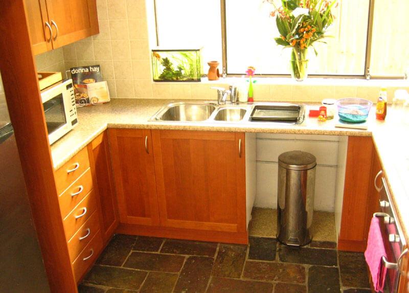 Какая кухонная мебель для маленькой кухни лучшая?