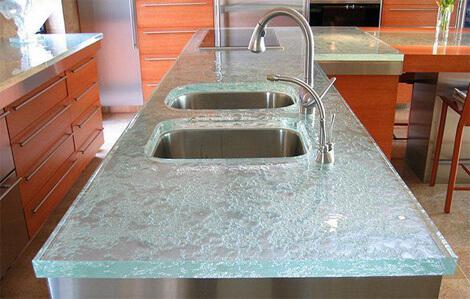Как выбрать стеклянные столешницы для кухни?