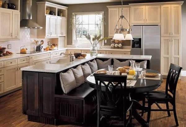 мягкий уголок на кухню возле столешницы