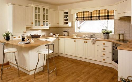 шторы короткие в кухню