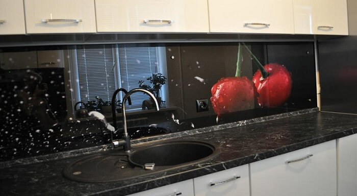 скинали для кухни из стекла