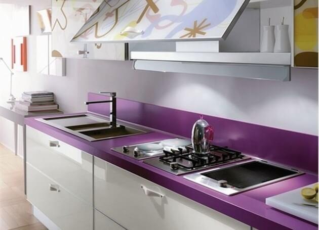 фиолетовая столешница для кухни