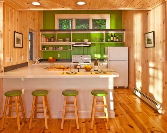 кухня с зелеными элементами