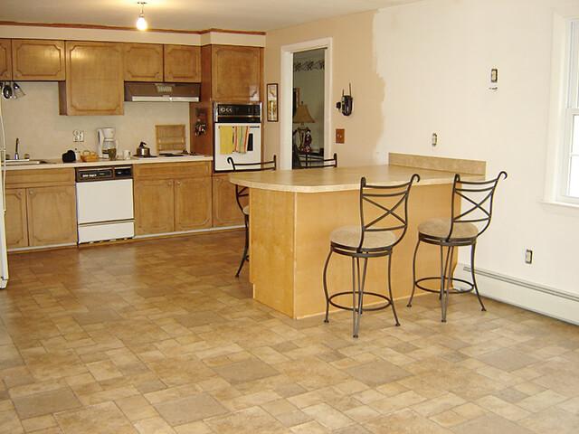 ламинат на кухню под плитку