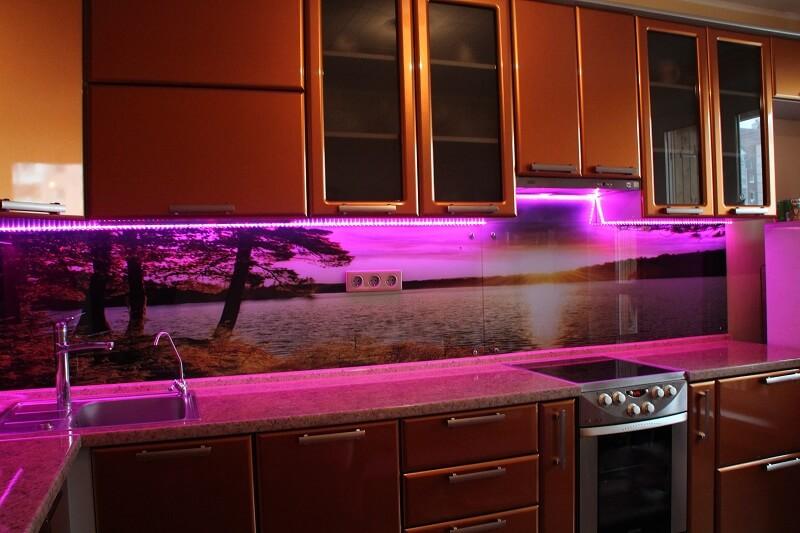 подсветка фартука в кухне