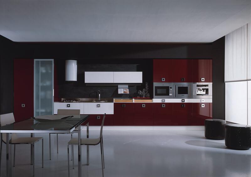 дизайн кухни в бордовом цвете
