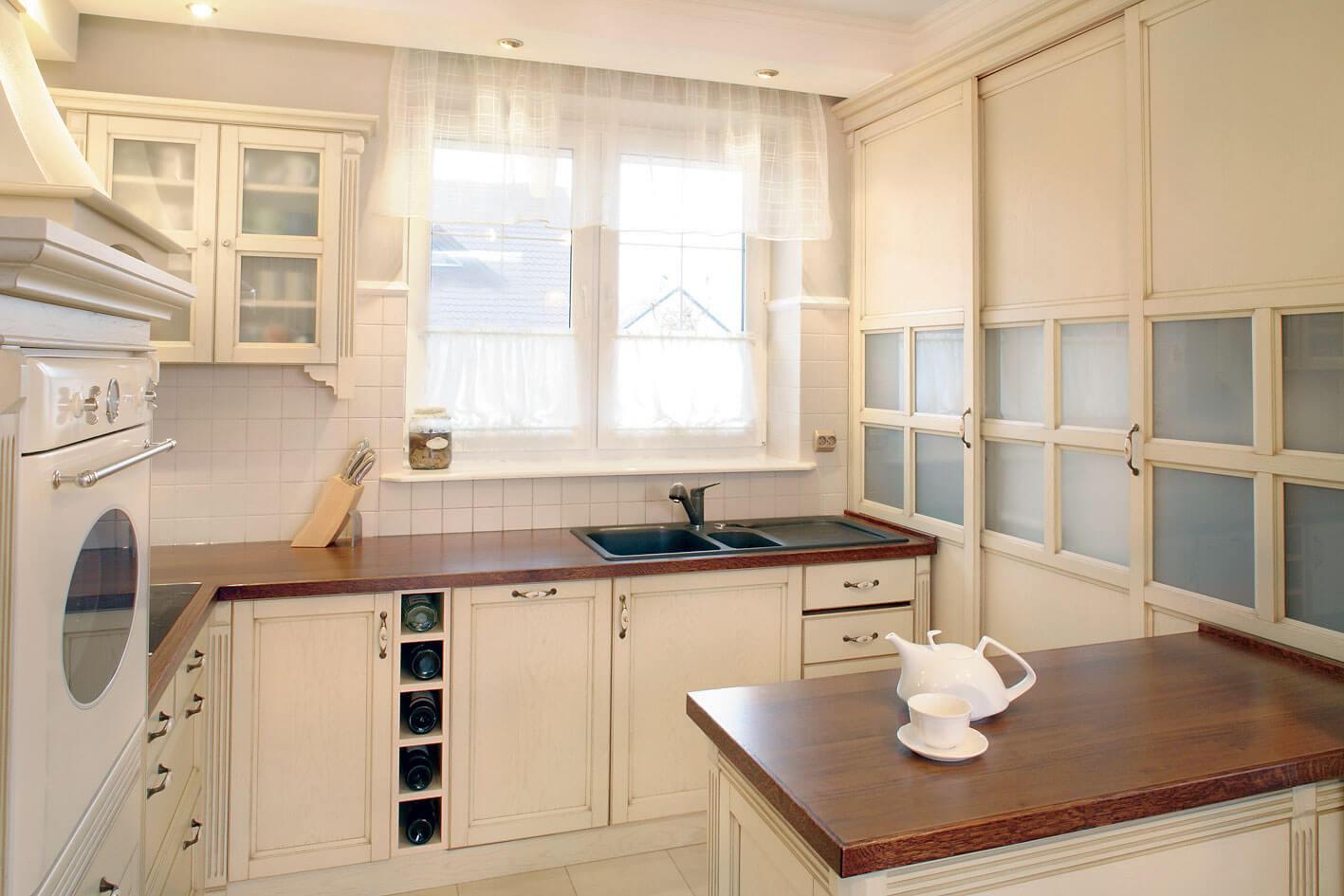 фото тюль на кухне
