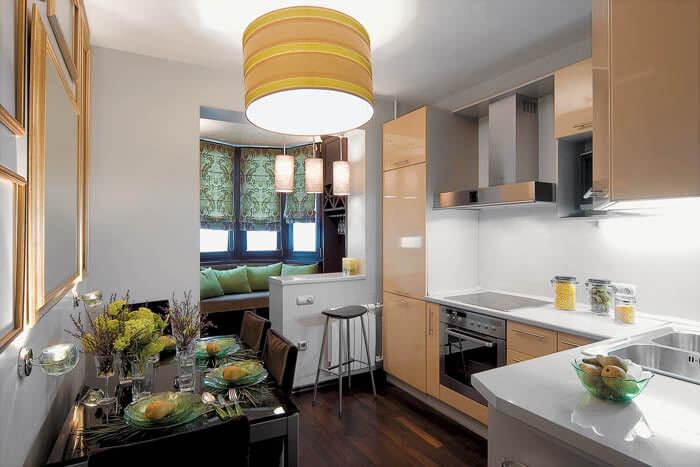 обеденная зона кухня совмещена с балконом