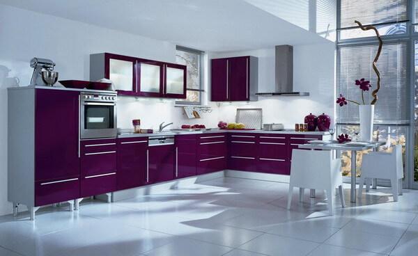 кухня в стиле модерн фиолетовые фасады