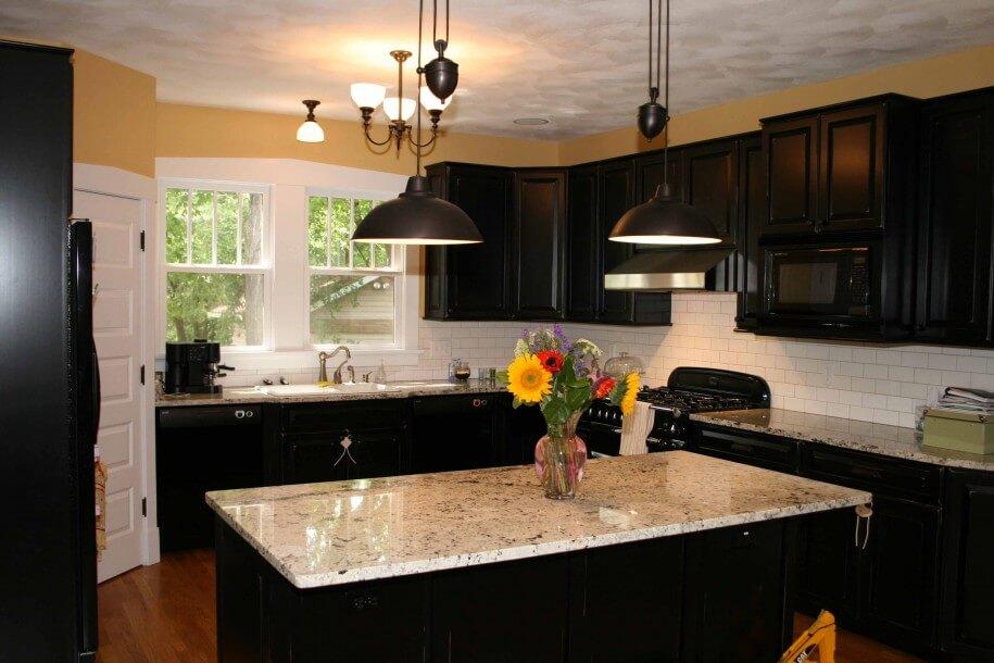 кухня с литьевым мрамором